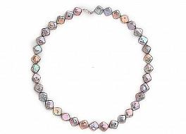 Naszyjnik, perły tęczowe hodowane, słodkowodne kwadratowe 8-9mm, zapięcie srebrne