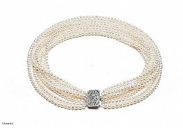 Naszyjnik z ośmiu sznurów pereł białych hodowanych, słodkowodnych okrągłych 5-5,5mm z zapięciem ze srebra rodowanego